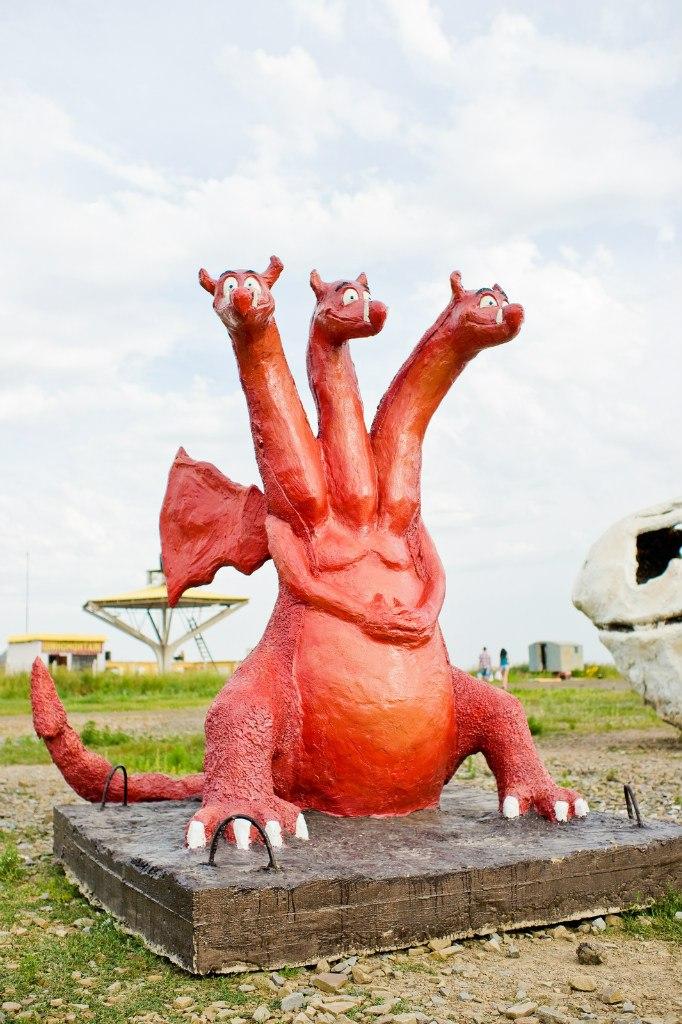 Скульптура из бетона Змей-Горыныч